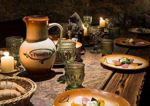 Medieval dinner in Prague with show