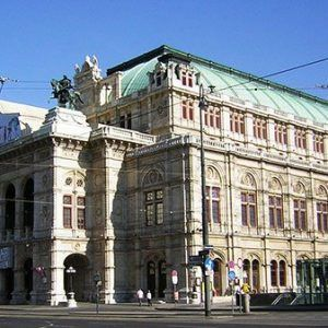Visit Vienna on your day trip from Prague