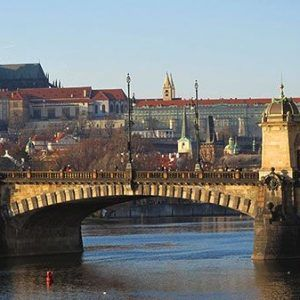 Car and boat rides in Prague
