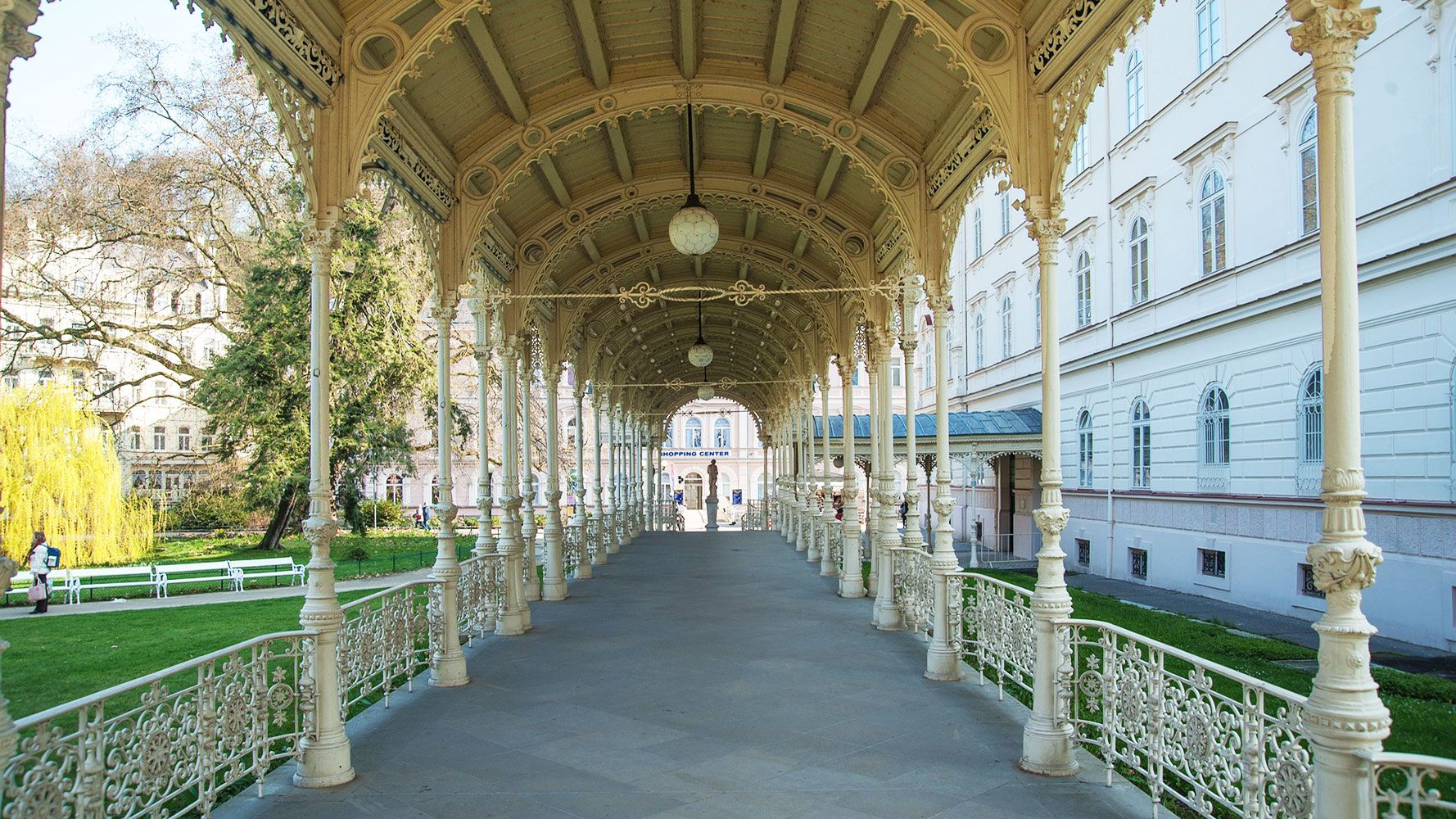 Promenade in Karlovy Vary