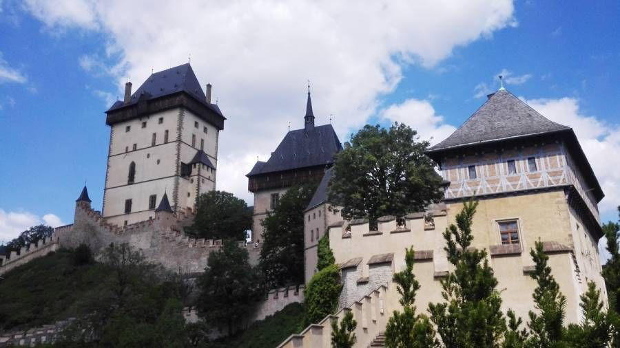 Trip to Karlstejn castle with Supreme Prague